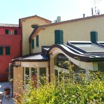 alternanza di colori e tetti