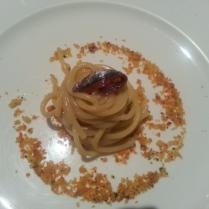spaghetti pane, burro e acciughe