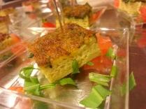 cubo di frittata con erbe aromatiche